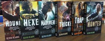 http://blog.patrickrothfuss.com/2013/12/signed-books-from-awesome-authors-2/